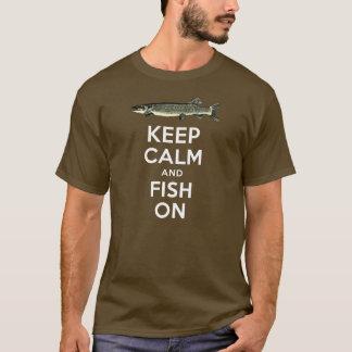 T-shirt Gardez le calme et pêchez sur la chemise