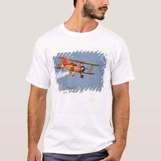 T-shirt Gène Soucy exécutant des acrobaties aériennes à