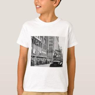 T-shirt George S. Patton Waving à un défilé à la maison