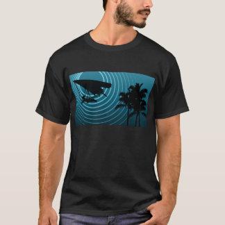 T-shirt glissement de coup d'alcool illégal