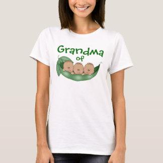 T-shirt Grand-maman des garçons de triplet avec la peau