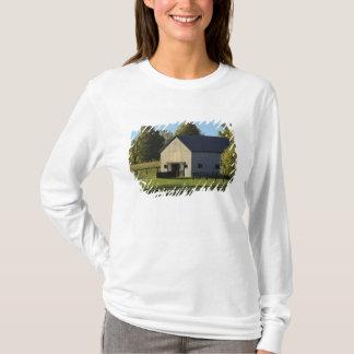 T-shirt Grange à la ferme de cheval de pur sang au lever