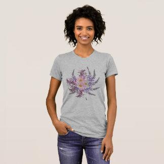 T-shirt gris avec des herbes