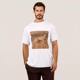 T-shirt Guépard porté en équilibre pour se déplacer