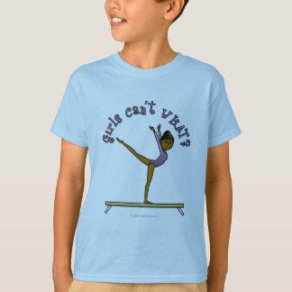 T-shirt Gymnaste féminin foncé sur le faisceau d'équilibre