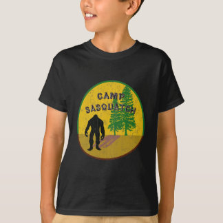 T-shirt habillement de sasquatch de camp