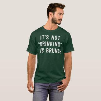 T-shirt Il ne boit pas, il est brunch