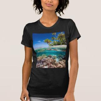 T-shirt Île dessous et en surface tropicaux