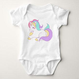 T-shirt infantile de combinaison de licorne de