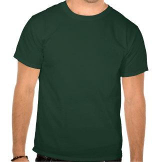 T-shirt irlandais de coeur de shamrock d'amour
