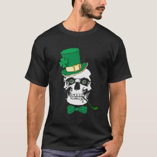 T-shirt irlandais de noir de crâne