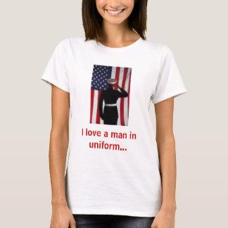 T-shirt J'aime un homme dans l'uniforme…