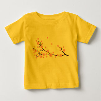T-shirt jaune d'enfants avec l'art floral
