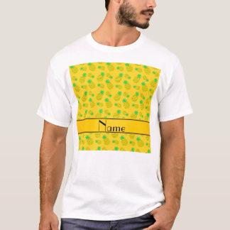 T-shirt Jaune nommé personnalisé sur les ananas jaunes