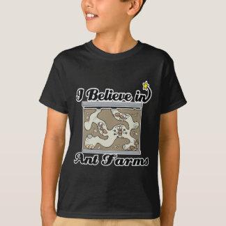 T-shirt je crois aux fermes de fourmi