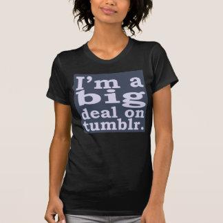 T-shirt Je suis une affaire sur des chemises de Tumblr