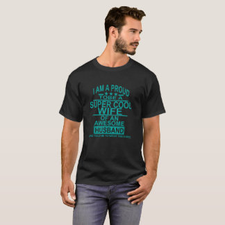 T-shirt Je suis une épouse fière d'A Freaking le mari