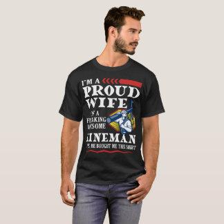 T-shirt Je suis une épouse fière de Freaking d'A