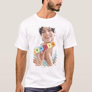 T-shirt Jeune femme en bonne santé, image conceptuelle