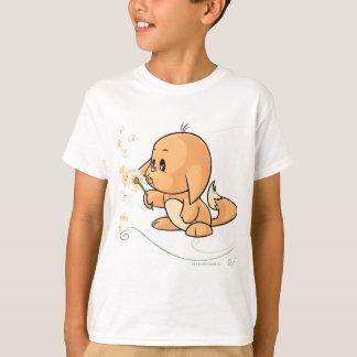 T-shirt Kacheek orange souhaitant sur un pissenlit