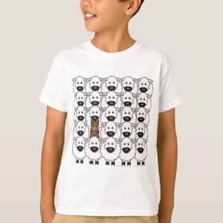 T-shirt Kelpie australien chez les moutons