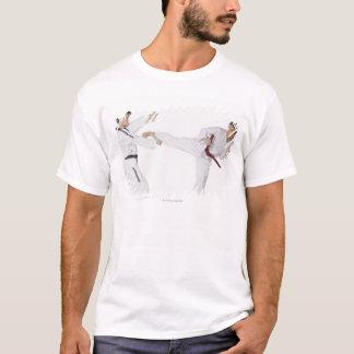 T-shirt Kickboxing de pratique de mi homme adulte avec un