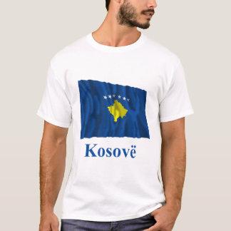 T-shirt Kosovo ondulant le drapeau avec le nom dans