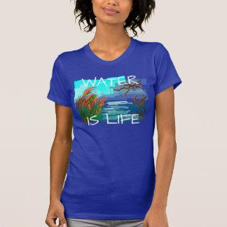 """T-shirt La """"eau est la vie"""" avec la rivière"""