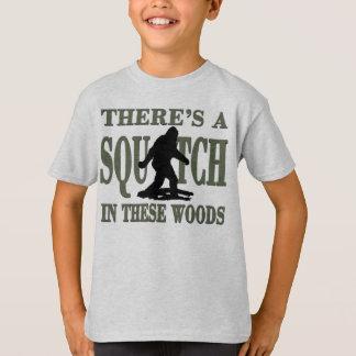 T-shirt La MEILLEURE VERSION il y a un SQUATCH en ces bois