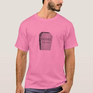 T-shirt La mort de la pierre tombale de DOMA 6.26.2013