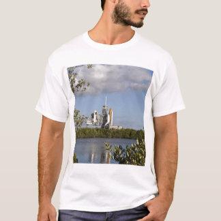 T-shirt La navette spatiale l'Atlantide repose prêt