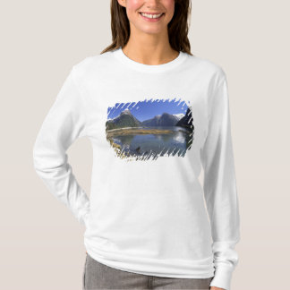 T-shirt La Nouvelle Zélande, crête de mitre et le Milford