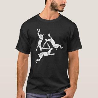 T-shirt La pièce en t foncée de lièvres des hommes triples