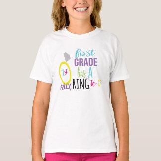 T-shirt La première catégorie a un anneau gentil à elle