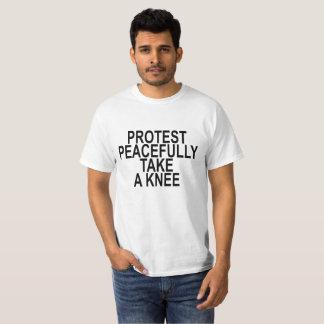 T-shirt la protestation paisible PRENNENT À UN GENOU LA