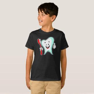 T-shirt La santé de brosse à dents de docteur Smiling