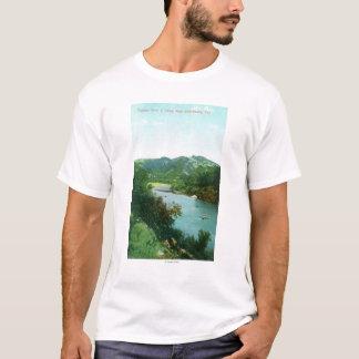 T-shirt La vue aérienne de la rivière russe au camp s'est