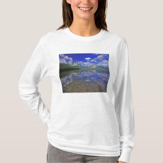 T-shirt Lac stanley dans les montagnes de dent de scie de