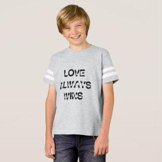 T-shirt L'amour des enfants gagne toujours la chemise