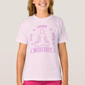 T-shirt L'amour vivant de rire méditent texte femelle (le