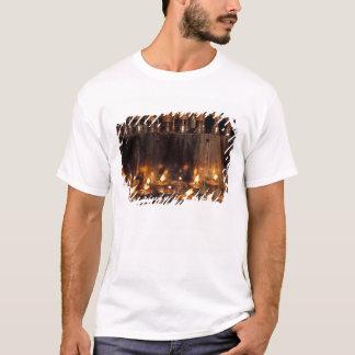 T-shirt L'Asie, Chine, Thibet, Lhasa. Flammes de prière,