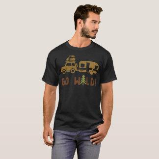 T-shirt Le camp deviennent comme fous remorque de campeur