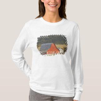 T-shirt Le CANADA, Colombie-Britannique, Enderby. Grange