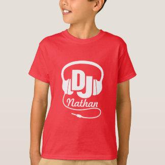 T-shirt Le DJ votre blanc de nom sur le rouge badine le