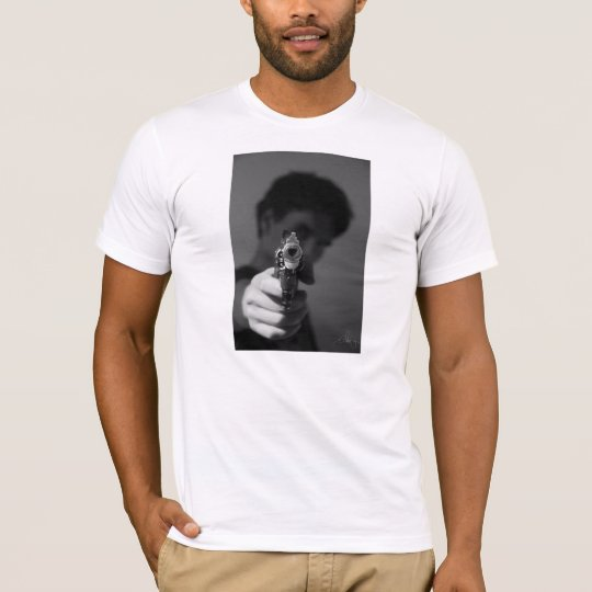 "T-shirt "" Le flingue de l'amour qui tue """