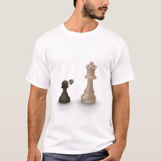 T-shirt Le gage prend la reine