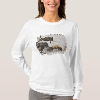 T-shirt Le gnou sautant dans la rivière de Mara pendant