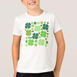T-shirt Le jour de Patrick de saint, quatre trèfles de