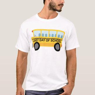 T-shirt Le jour passé du cadeau d'autobus scolaire d'école