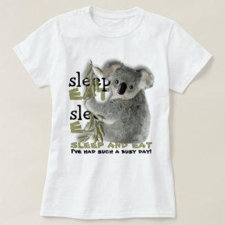 T-shirt Le koala mignon mangent et dorment